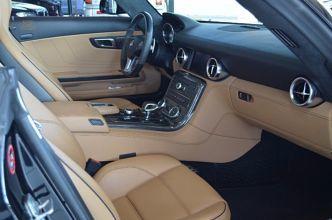 Mercedes-Benz SLS AMG Schwarz Metallic