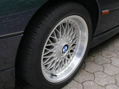 vorn 235, Reifen neu