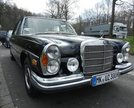 Mercedes Benz Farbe Bergament Beige