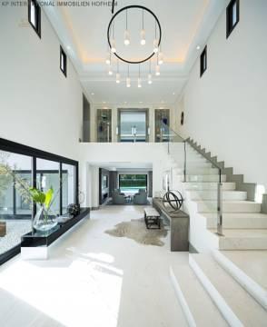 Türeingang mit Treppen
