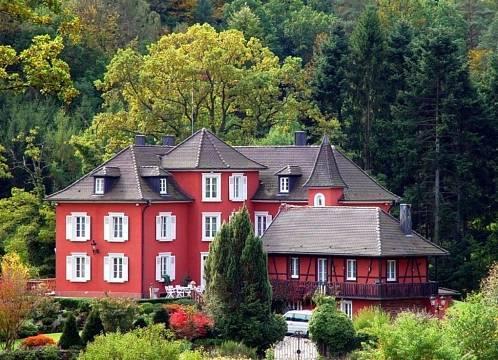 Historisches Jagdschloss in Elsass-Lothringen