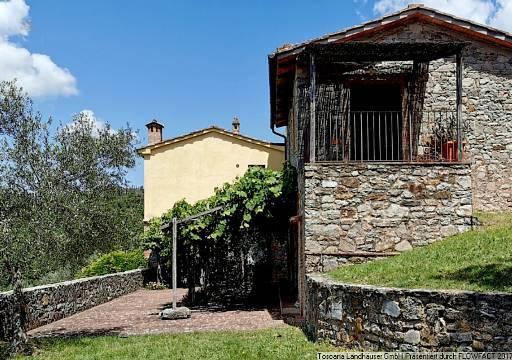 RIF 2846 Haupthaus mit Terrasse