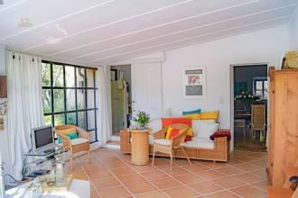 Schlafzimmer mit Balkon und...