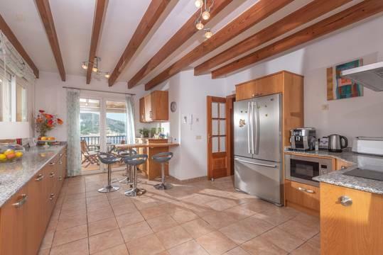 Geräumige Küche mit kompletter Ausstattung...