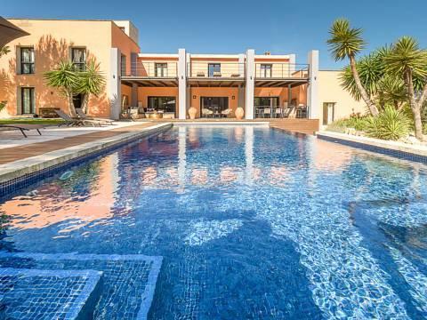 Modernes Fincahaus mit Pool und Ferienlizenz