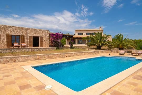 Finca mit Gästehaus und Pool