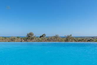 Traumhafter Ausblick vom Pool