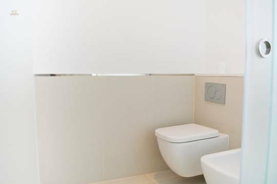 ... separater Toilette