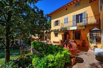 RIF 2761 Haus mit Terrasse
