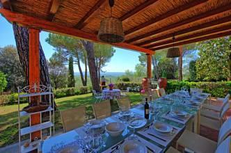 RIF 2761 Terrasse mit Blick in Garten