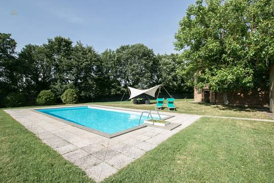 RIF 2927 Pool