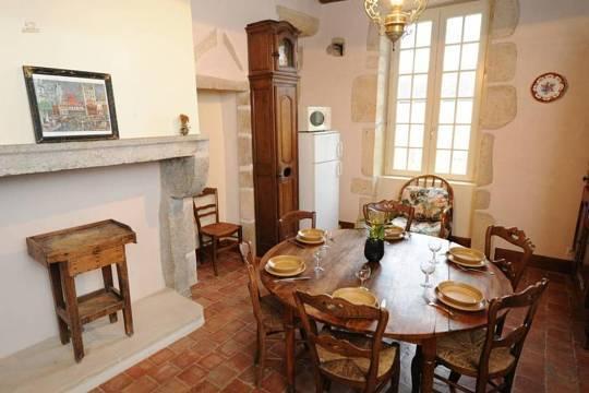 Torhaus - Esszimmer mit Küche
