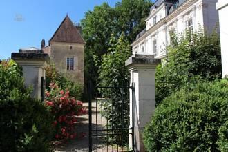 Das Château mit Torhaus