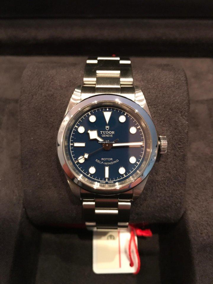 tudorovské hodinky zdarma online seznamka