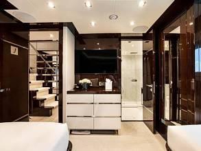 Sunseeker 131 Yacht - Twin Guest Cabin