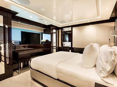 Sunseeker 131 Yacht - Double Guest Cabin