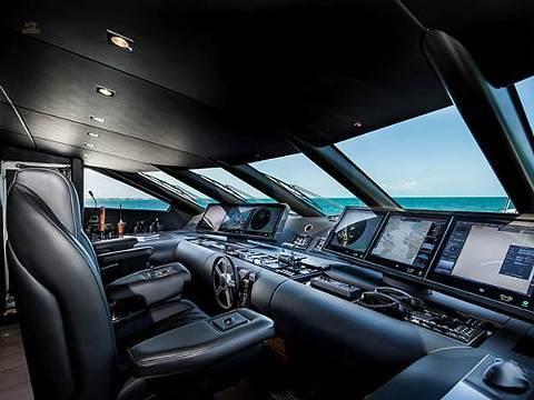 Sunseeker 131 Yacht - Wheelhouse