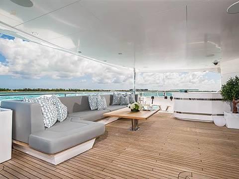 Sunseeker 131 Yacht - Aftdeck