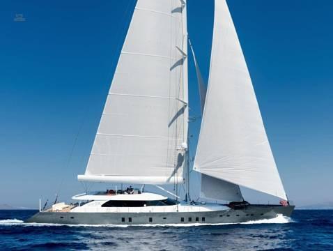 Ada Yacht ALL ABOUT U2